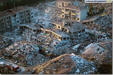 Tremblement de terre à Gölcük